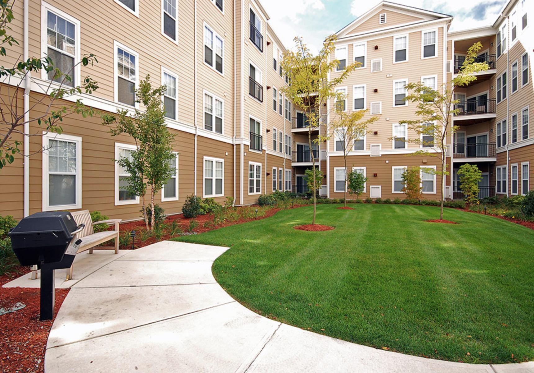 6 - Courtyard Area
