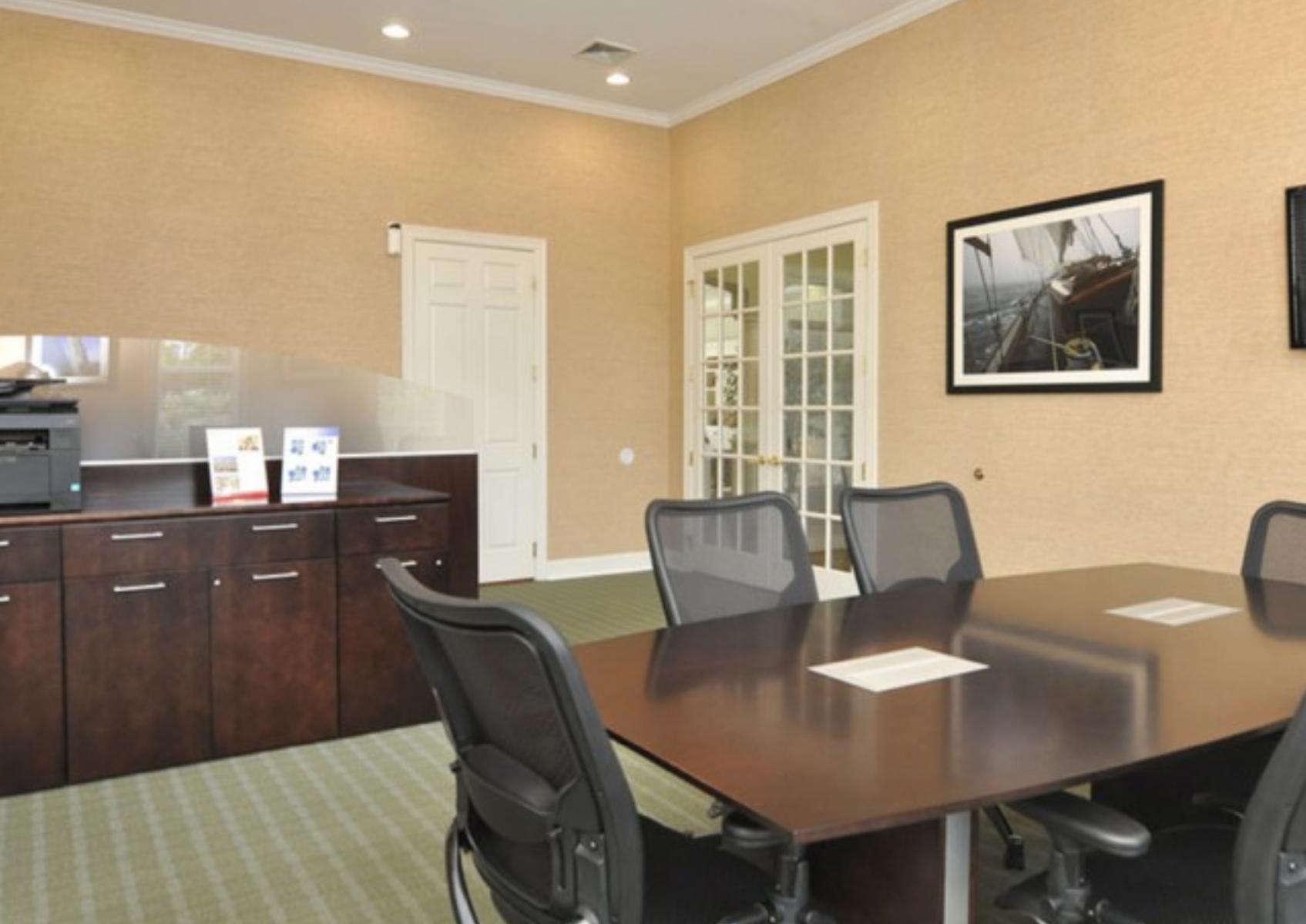 2 - Business Center